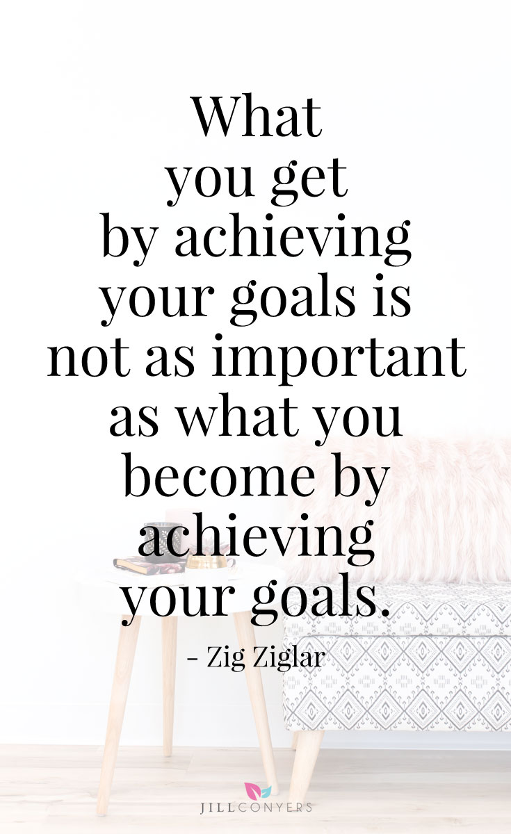 Do you know the ONE thing that can help you reach your health and fitness goals? It may not be what you think. Accountability is a tool to help you reach your health and fitness goals. Accountability is key to improving your health and wellness and to living your best life. Click through to download the free goals tracker and set yourself up for #success! #wellness #selfcare #healthyliving #goals #motivation #quotes #zigziglarquotes